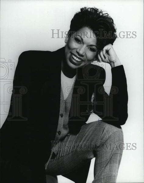 Press Photo Television Talk Show Host Rolonda Watts Promotional Portrait - Historic Images