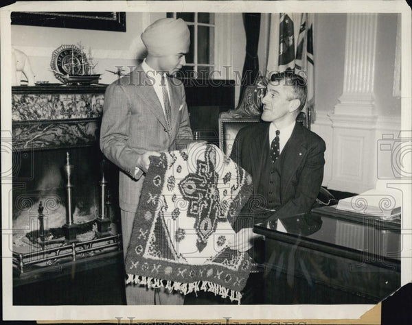 "1940 Press Mass Gov Leverett Saltonstall & ""Elephant Boy"" Sabu - RSL04829 - Historic Images"