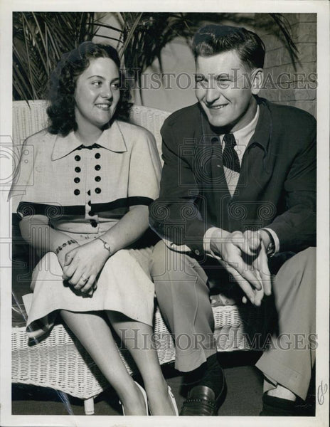 1951 Press Photo US Marine Corps Sergeant Howard Miller & Wife - RSL64259 - Historic Images