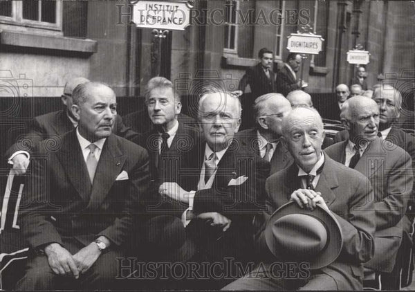 1958 Press Photo Prince Louis-Victor Attending Ceremony Institute Of France - Historic Images
