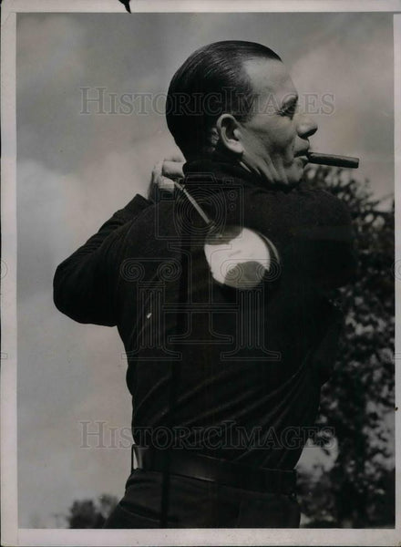 1936 Press Photo Chicago White Sox Player Jimmie Dykes Playing Golf - Historic Images
