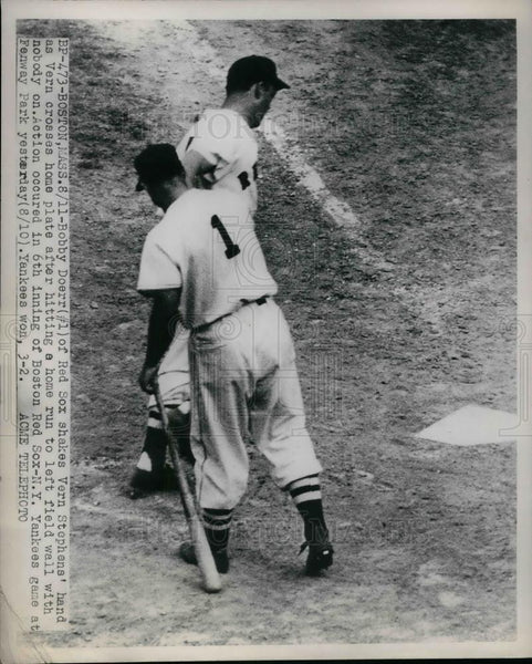 1949 Press Photo Bobby Doerr Of Red Sox Congratulates Vern Stephens - Historic Images