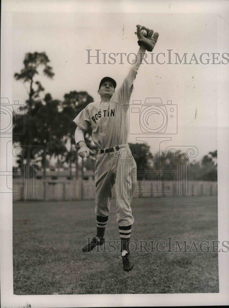 1940 Press Photo Marvin Owen Third Baseman Boston Red Sox Spring Training Camp - Historic Images