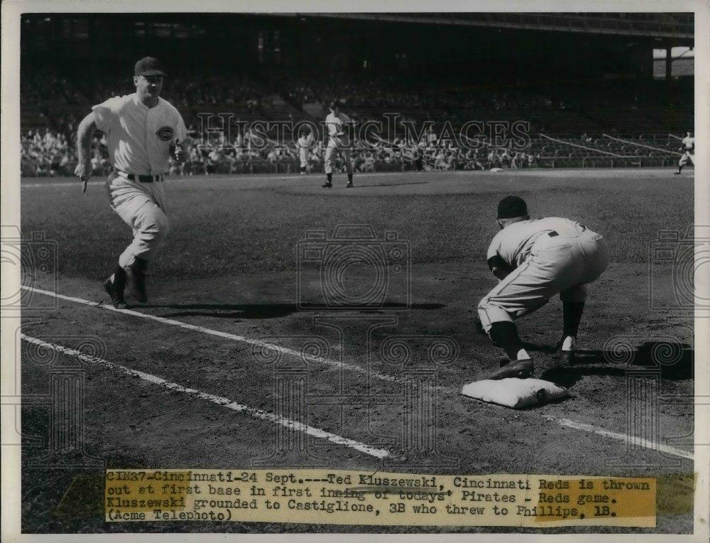 1949 Press Photo Cinn Reds Ted Klueszewski out at 1st vs Pirates - nea06456 - Historic Images
