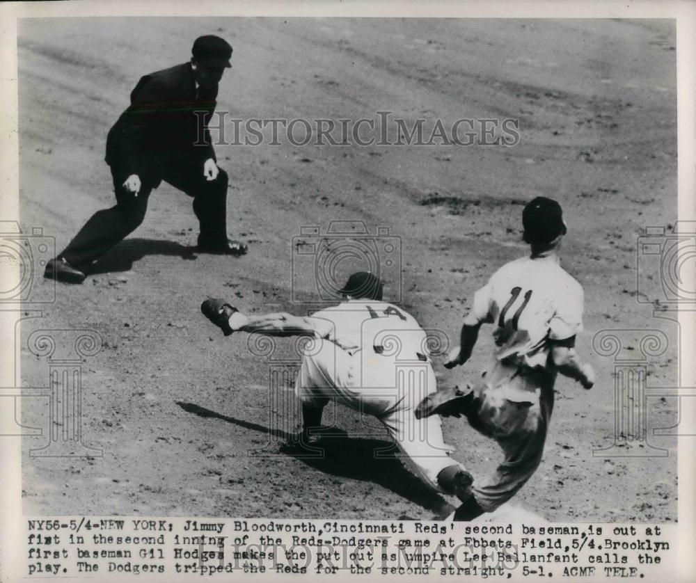 1949 Press Photo Reds 2nd Baseman Jimmy Bloodworth Out at 1st In 2nd Inning - Historic Images