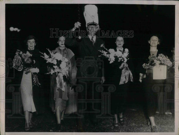 1936 Press Photo St Louis Cardinals Dizzy Dean & some women - nea05988 - Historic Images