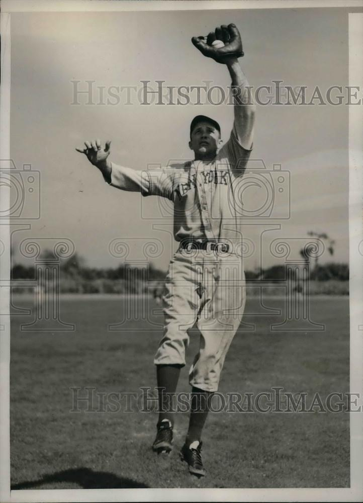 1940 Press Photo Morris Jones Rookie Outfielder Spring Training New York Giants - Historic Images