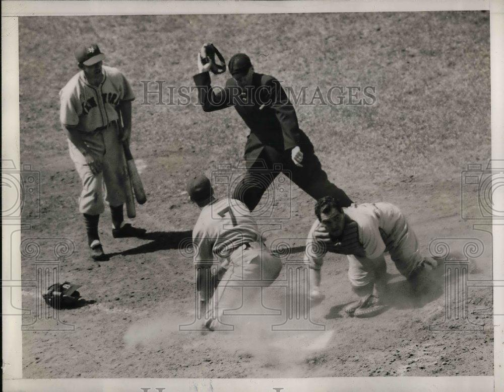 1941 Press Photo Giants Whitehead out at home in fisrst Series game - nea06021 - Historic Images