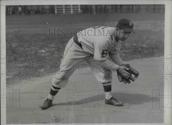 1934 Press Photo Anthony Cuccinello,Infielder of Dodgers during Spring Pratice - Historic Images