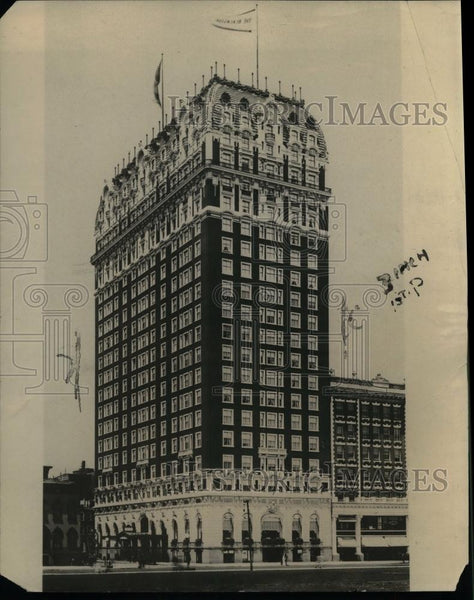 1921 Press Photo Blackstone Hotel in Chicago - nea11243 - Historic Images