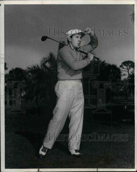 1938 Press Photo St. Louis Cardinals Outfielder Joe Medwick Playing Golf - Historic Images