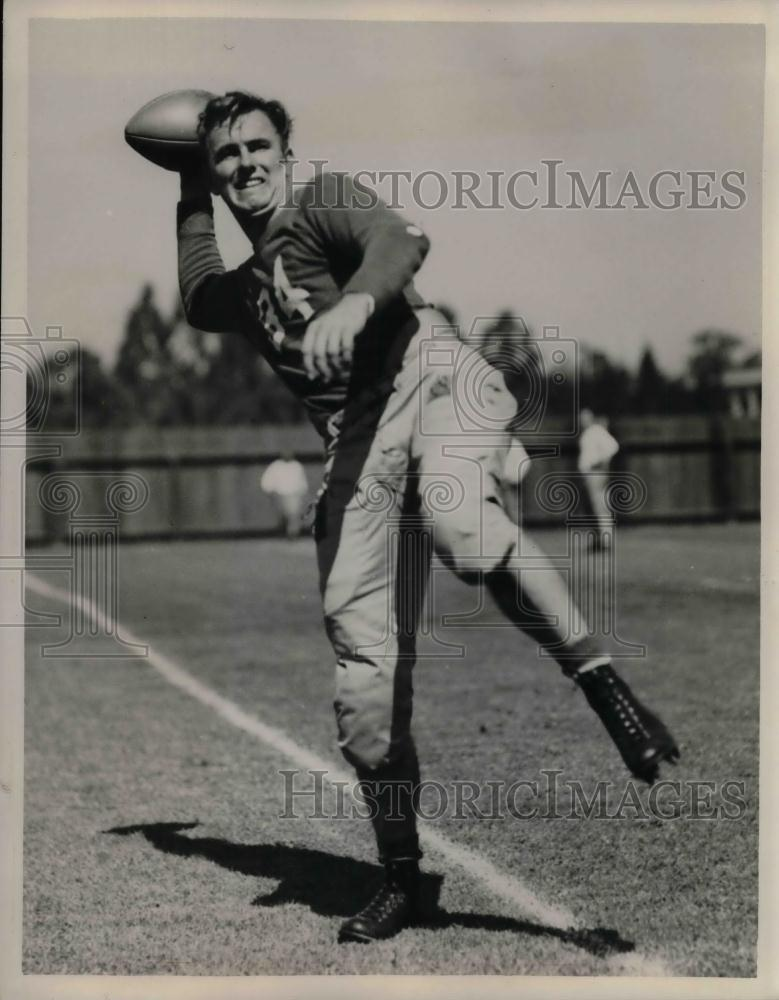 1939 Press Photo Stanford University Halfback Pete Fay Throwing Ball - nea13676 - Historic Images