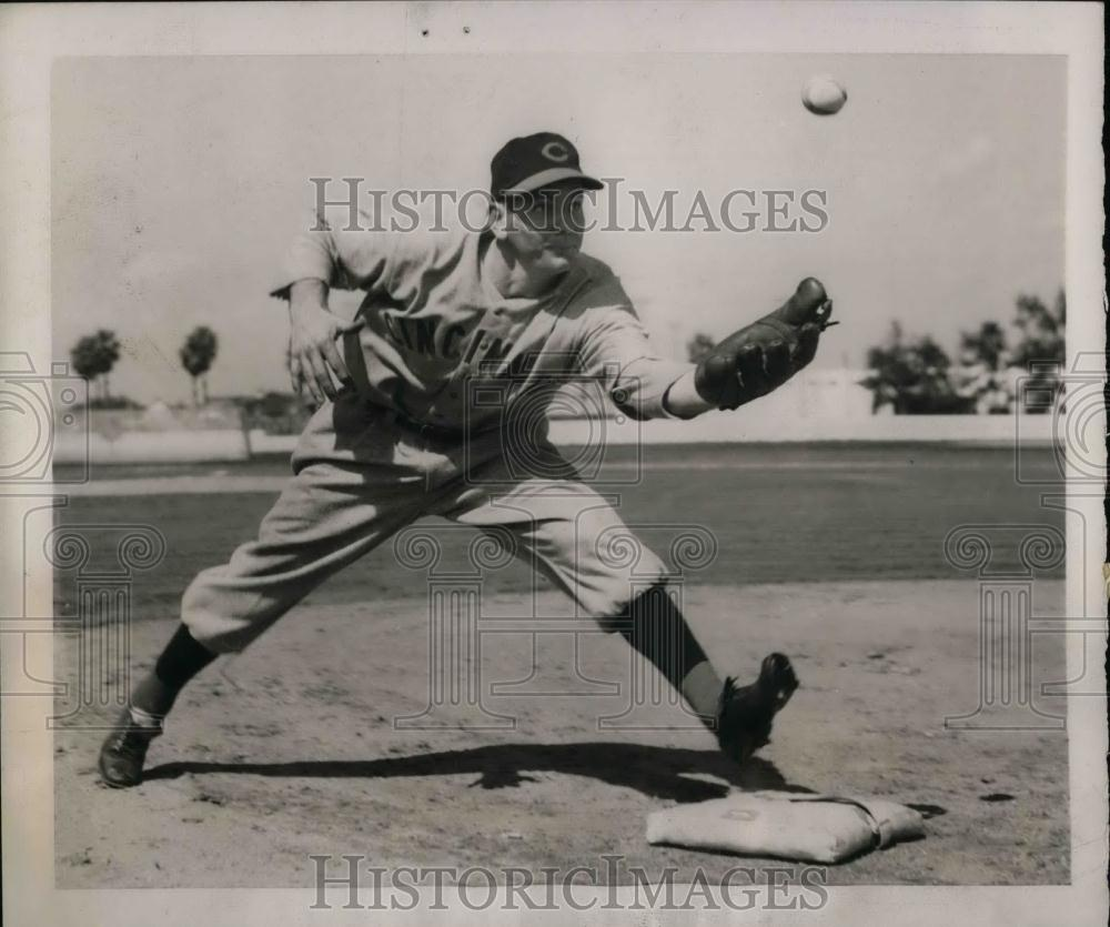 1940 Press Photo Reds Rookie Infielder Donald Lang At Training Camp - nea10665 - Historic Images