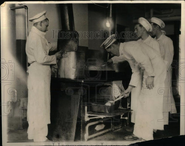 1929 Press Photo Cooks Attend Classes At Culinary School - nea16514 - Historic Images