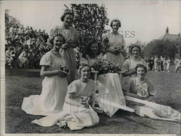 1934 Press Photo Miss Helen Garvey, Queen of the May, M. Brown, M. Paul - Historic Images