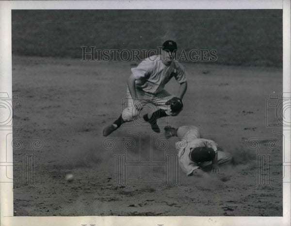 1944 Press Photo Yankee George Stirnweiss vs A's Dick Siebert - nea17600 - Historic Images