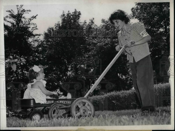 1943 Press Photo Mary Korellis Mowing Grass & Jane Powell in Wagon - nea23054 - Historic Images