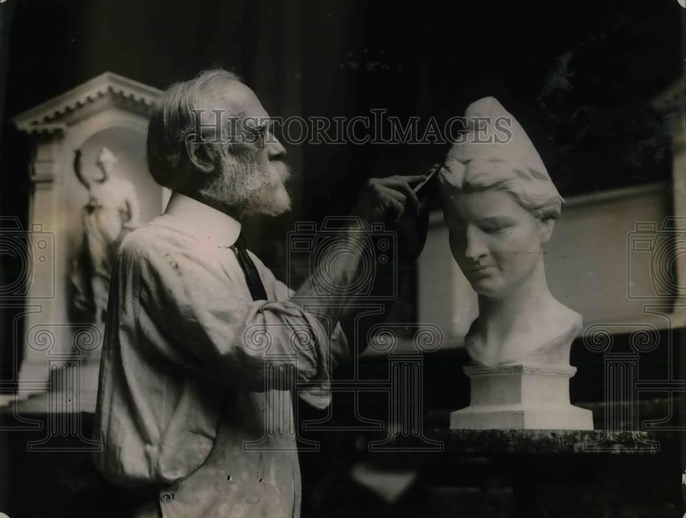 1920 Press Photo Prominent Sculptor Of The National Capitol Henry Bush-Brown - Historic Images