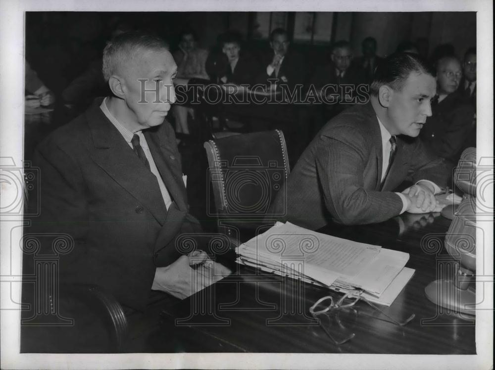 1943 Press Photo H. Leroy Whitney, James Jacobson, Special Assistant - nea22384 - Historic Images