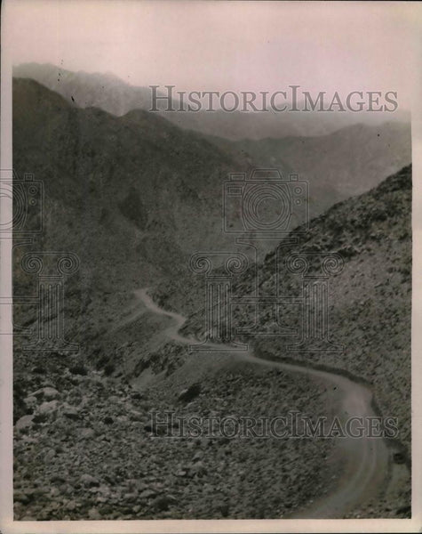 1923 Press Photo Cantu's Highway through mountains in California - nea19618 - Historic Images