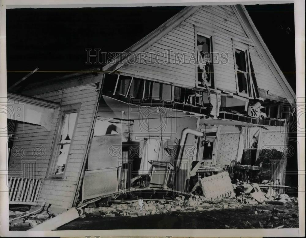 1938 Press Photo Home in Belleville, Ill that was destroyed by a tornado causing - Historic Images