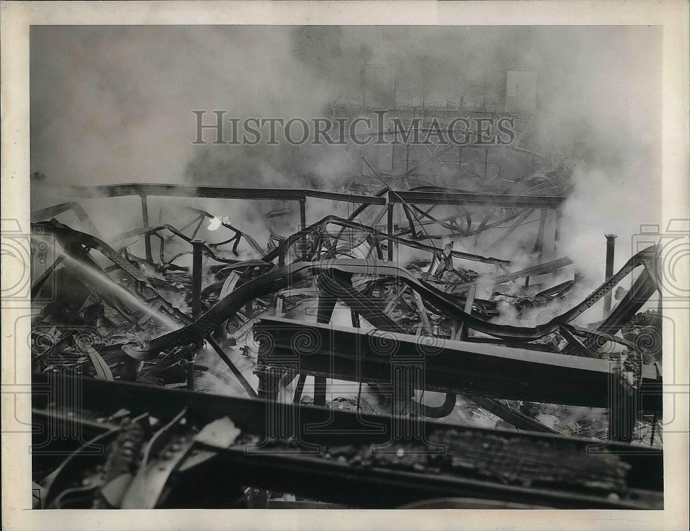 1944 Press Photo Remains of Blaze of Princeton University Gymnasium - nea35846 - Historic Images