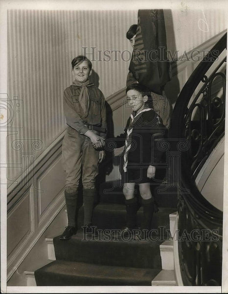 1931 Press Photo Scout Harold Snyder Troop 534 & Roger Bart - nea36195 - Historic Images