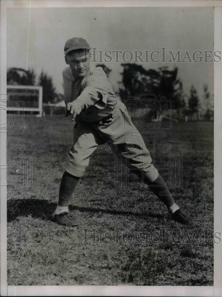 1935 Press Photo Dutch Lieber Pitcher Philadelphia Athletics A's Training Camp - Historic Images