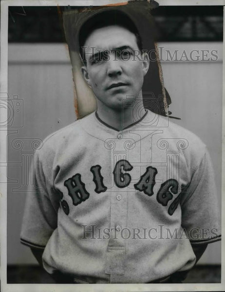 1934 Press Photo Richard Ward Rookie Pitcher Chicago Cubs Spring Training Camp - Historic Images