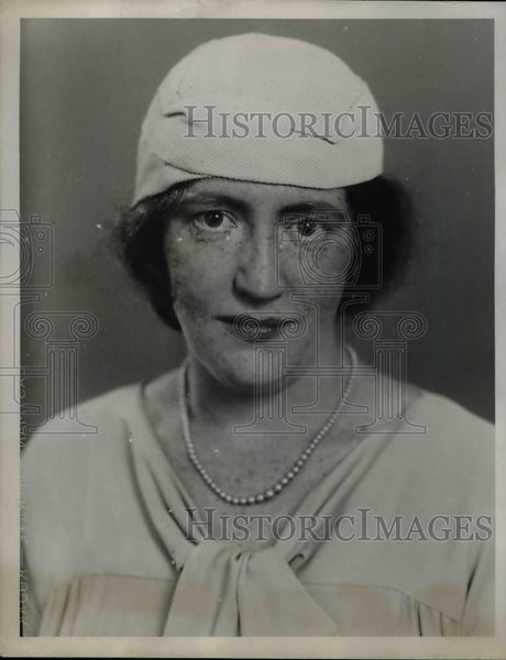 1922 Press Photo Gertrude Malone Of The Junior Guild Of John Carol University - Historic Images