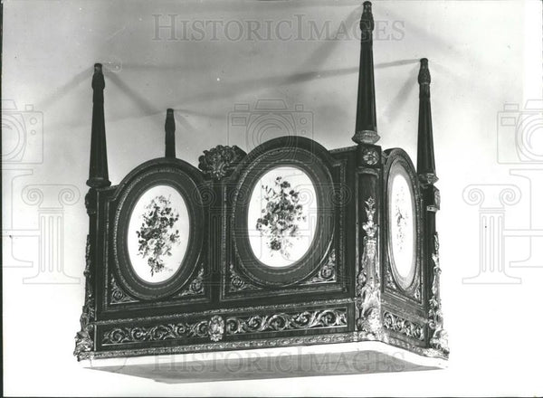 1972 Press Photo Small side cabinet made circa 1775 owned by Rothschild - Historic Images