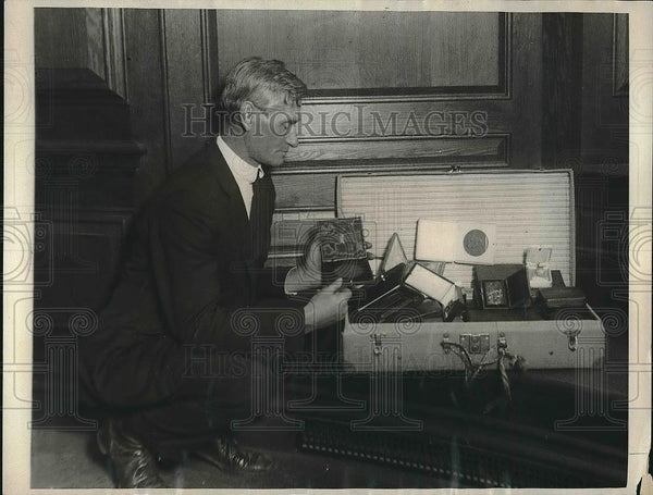 1923 Press Photo Captain Ed Burke, Superintendent of Roosevelt Home, New York - Historic Images