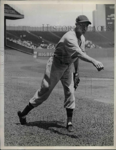 1938 Press Photo Joe Heving of the Boston Red Sox - nea44826 - Historic Images