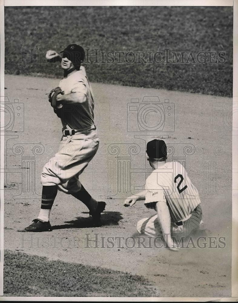 1938 Press Photo Red Rolfe out at 2nd as Yankees Myril Hoag makes double play - Historic Images