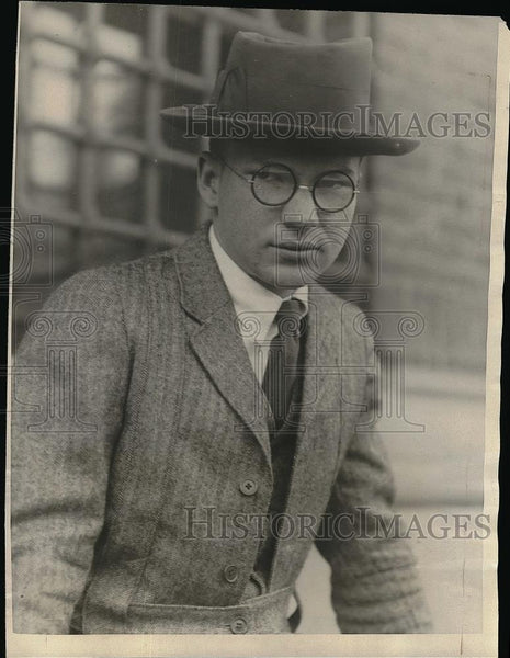 1923 Press Photo Young Harvard Senior & Standout Frederick Santee - Historic Images