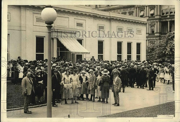1922 Press Photo Visitors arriving at the White House - Historic Images