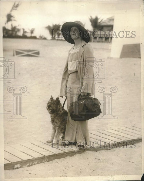 1929 Press Photo Mrs Henry Anderson Gorman New York Sea Spray Beach - nea94415 - Historic Images