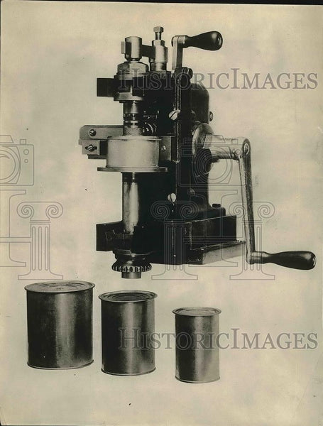 1921 Press Photo A home canning press on exhibit - nea76642 - Historic Images