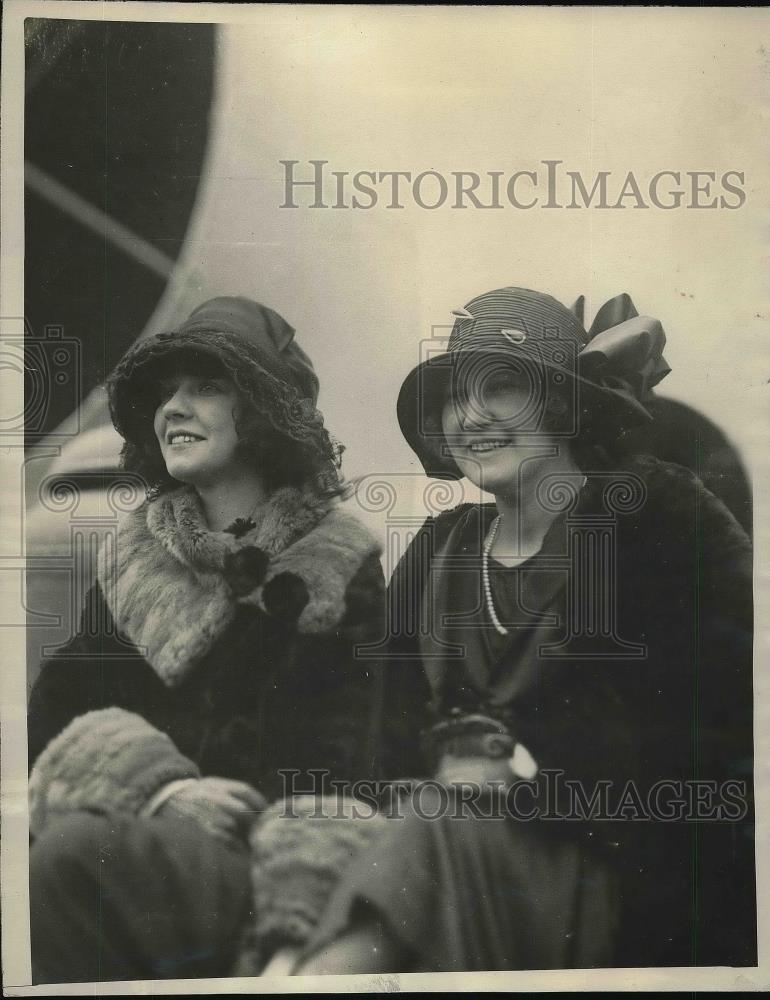 1923 Press Photo Actress Jeanette Odette & Actress Ethel Henlere During Tour - Historic Images