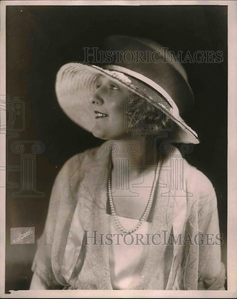 1921 Press Photo Crepe Mushroom Hat Fashion from Joseph - Historic Images