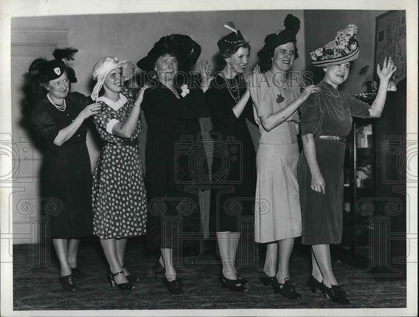 1935 Press Photo Hats That Make Them Happy - Historic Images