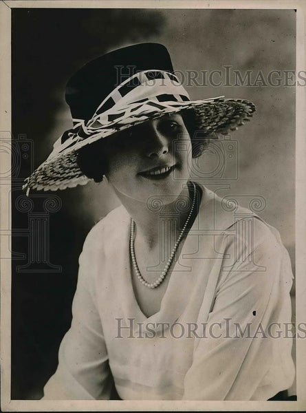 1919 Press Photo Smart Sailor Black velvet Novelty Ribbon - Historic Images