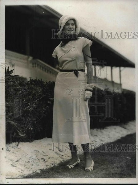 1931 Press Photo April Zipes, prominent illustrator & fashion artist of New York - Historic Images