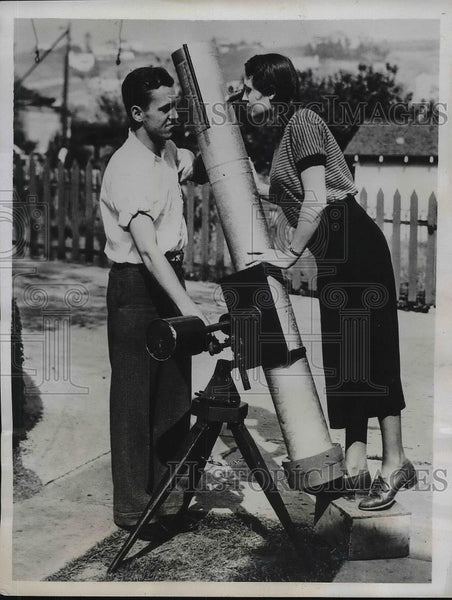 1934 Press Photo Arnold Oswald, champion amateur astronomer, & sis Maxine - Historic Images