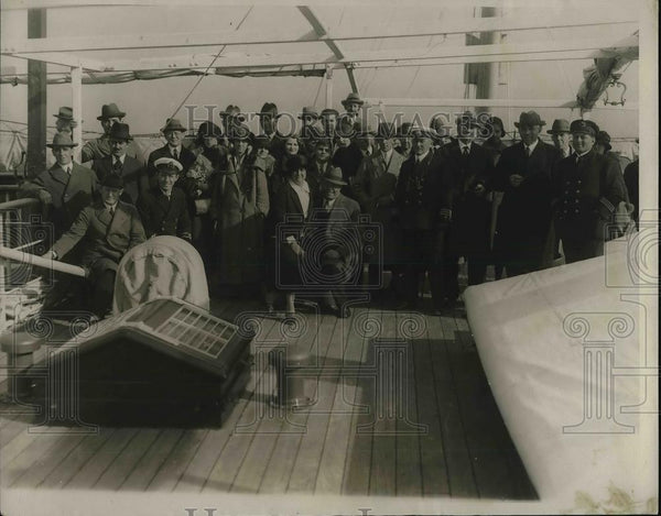 1924 Press Photo S.S. Zacapa Grounded Near Cuba Rescued by S.S. Tena - Historic Images