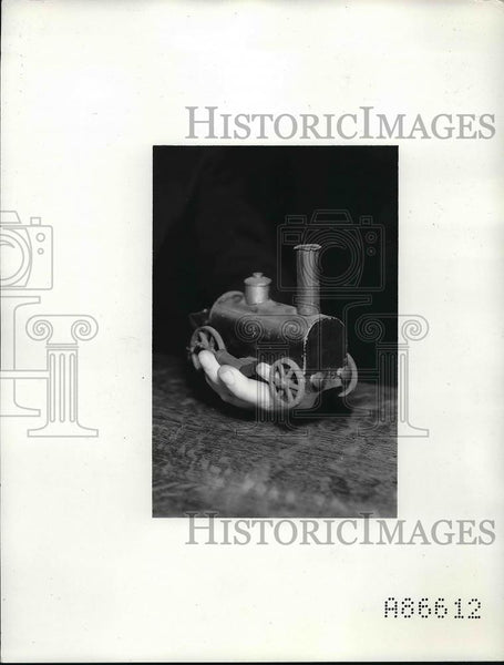 1937 Press Photo Toy Locomotive given to Charles Steinmeks - Historic Images