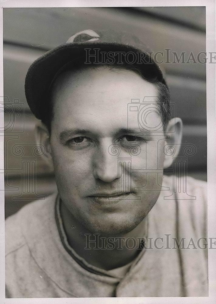 1936 Press Photo John Gill Rookie Outfielder Chicago Cubs Spring Training Game - Historic Images