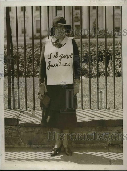 1931 Press Photo Mrs. Mary A. Connor Picketing Outside Of White House - Historic Images