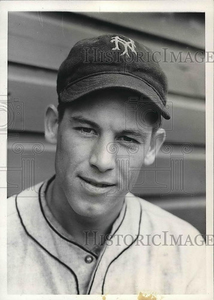 1936 Press Photo Harry Gumbert Rookie Pitcher New York Giants Spring Training - Historic Images