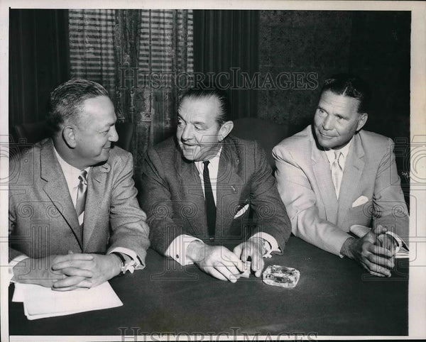 1957 Press Photo Gabe Paul of Reds, Gus Busch and Frank Lane of Cardinals - Historic Images